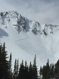 Natural avalanche near Frazier Basin