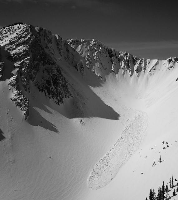 Cornice triggered avalanche N. Bridgers